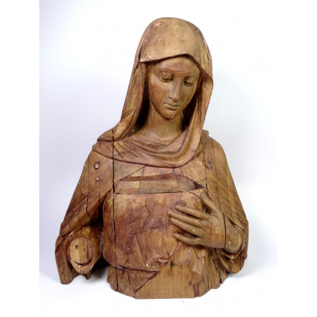 Sculpture of the Immaculate Heart of Mary