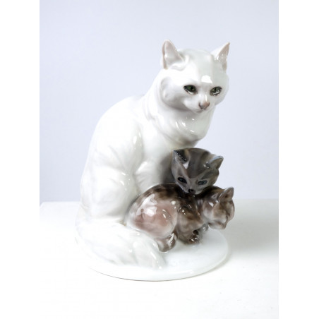 Rosenthal Cat with Kittens by Obermaier
