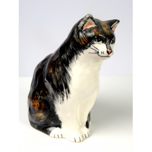 Cat Figurine by Babbacombe